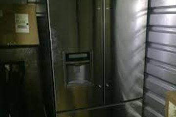 Tủ lạnh bị toát mồ hôi bên ngoài, hiện tượng này nguyên nhân do đâu
