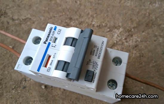 CB chống rò điện Panasonic