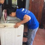 Máy giặt đang giặt bị mất nước thì tự động dừng hay giặt tiếp